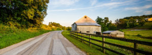 Header-Barn-with-Road